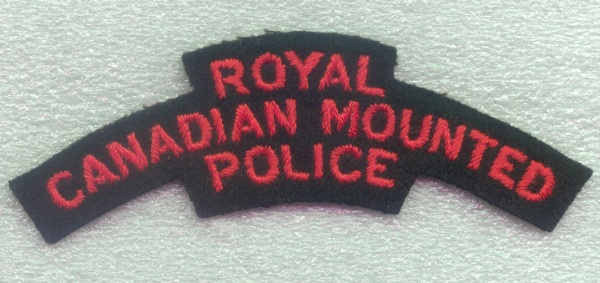 shoulder badge cloth Royal Canadian Mounted Police type 1